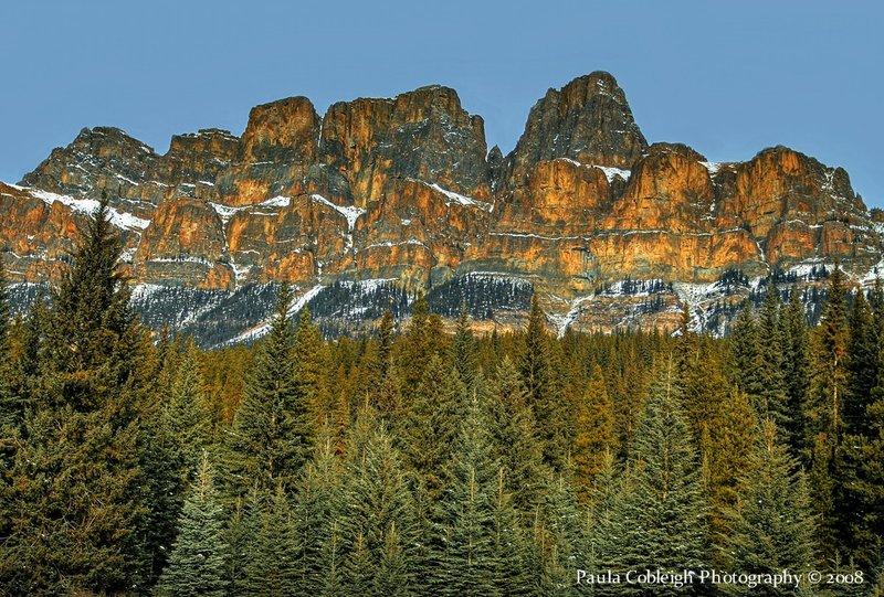 Castle_Mountain_by_La_Vita_a_Bella