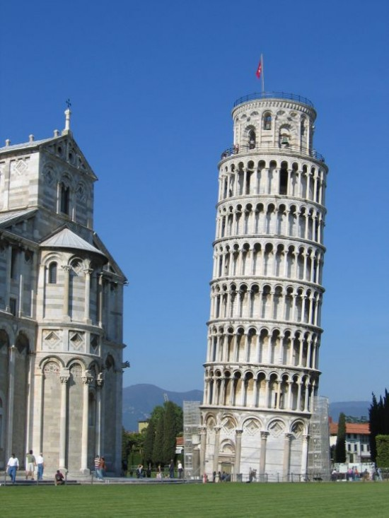 2. Leaning Tower of Pisa - famous architecture buildings