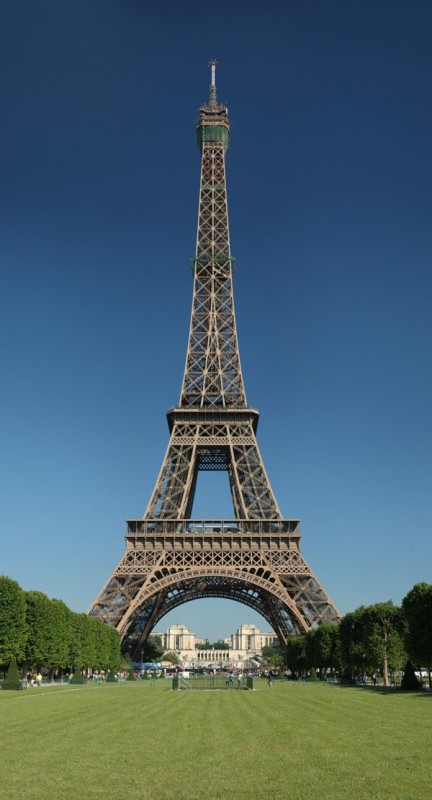 7. Eiffel Tower - famous architecture france