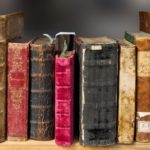 What are the factors to be evaluated before buying books online?